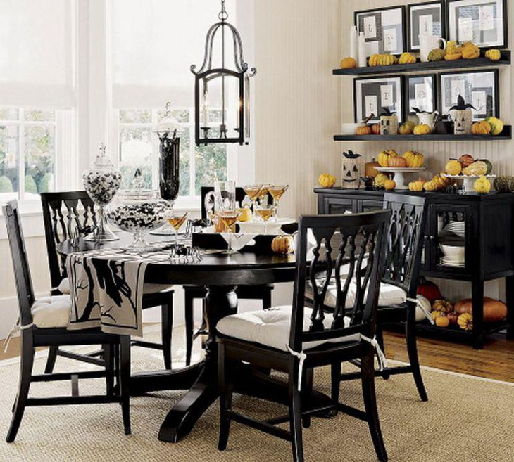25 Dining Room Tables for Small Spaces | Table Decorating Ideas