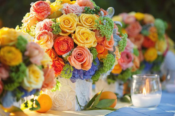 Mesmerizing Bright Summer Wedding Centerpieces