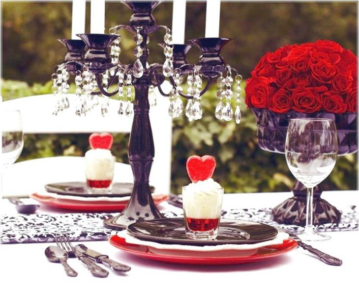 Mesmerizing Outdoor Table Setting