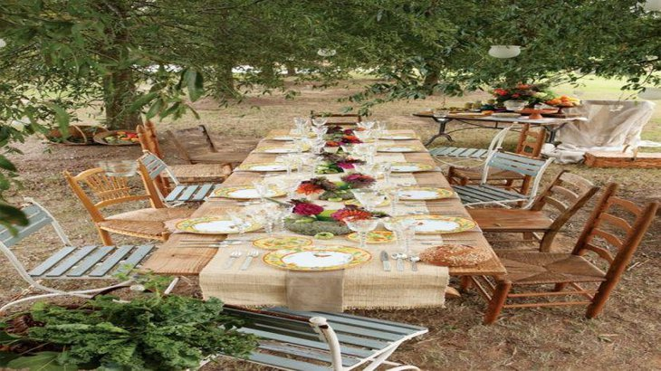 Outdoor party naked table with burlap runner for rustic look