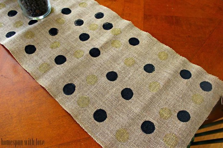 Painted Burlap Table Runner for Thanksgiving