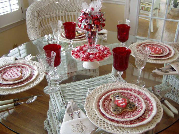 Pleasing Valentines table with red accents