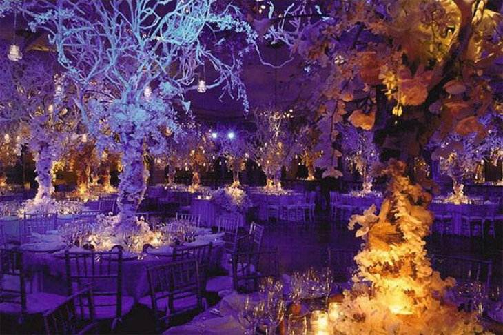 Pleasing winter purple wedding table decor