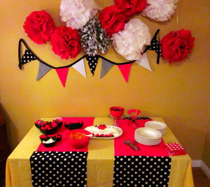 Polka dotted Minnie Mouse candy table decor