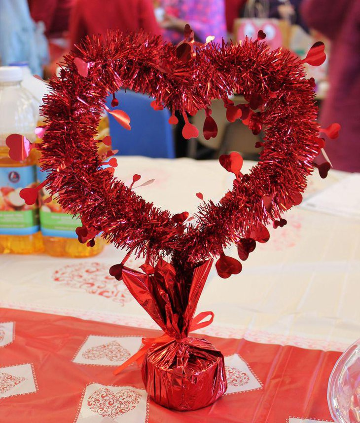 Red DIY Valentines table centerpiece