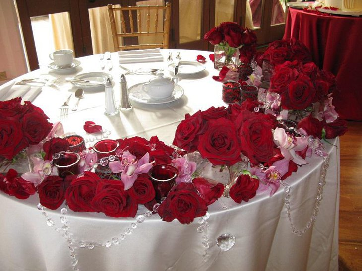Red Roses for Valentine Table Decoration