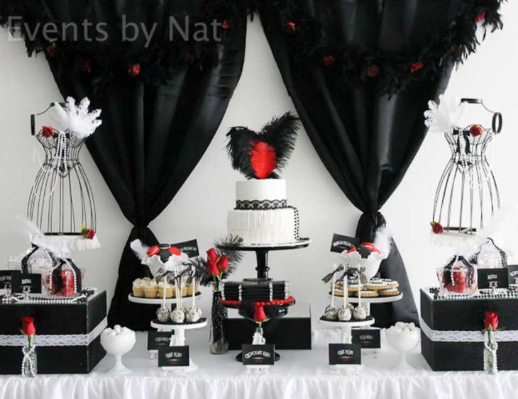 Roaring 20s black and white themed adult birthday table decor