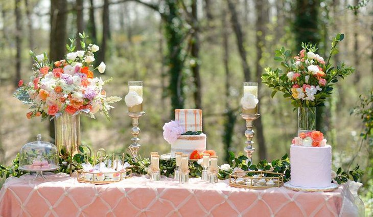 Romantic Outdoor Valentine Table