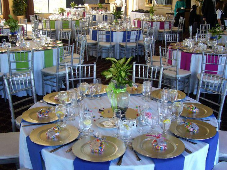 Round Wedding Tables Donned In Bright Colors