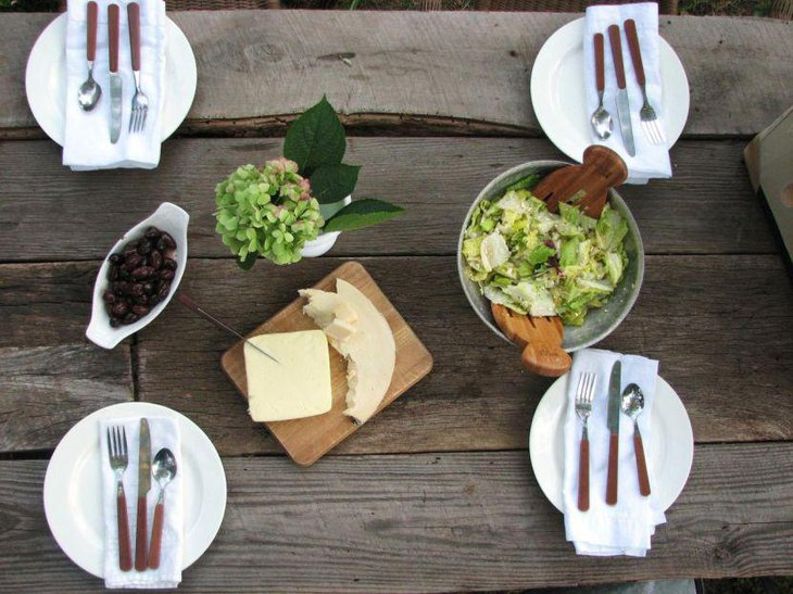 Rustic garden party table setting