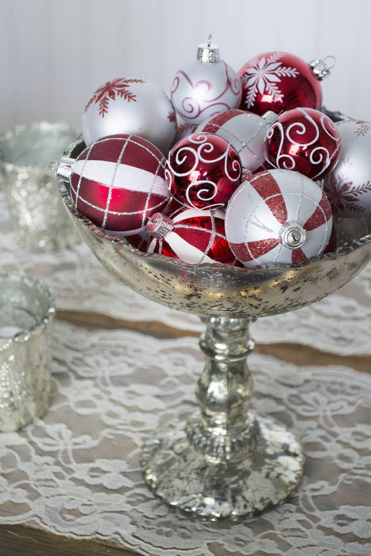 Red and silver table setting ideas for christmas