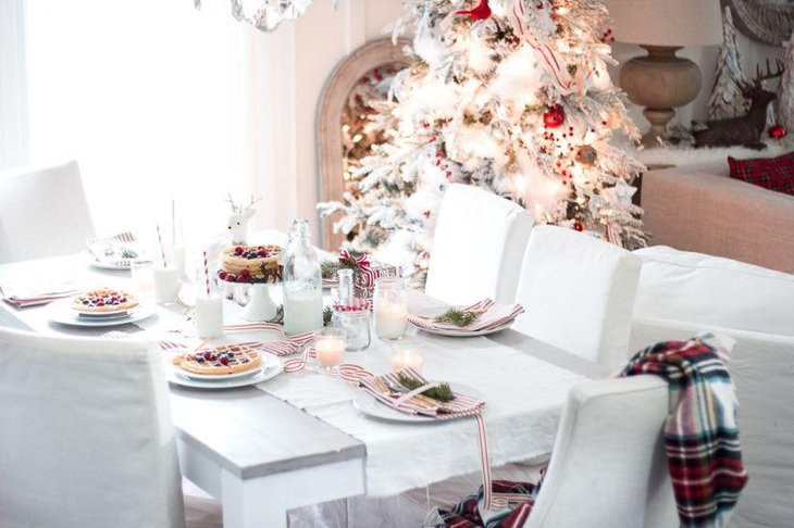 Simple Christmas breakfast tablescape