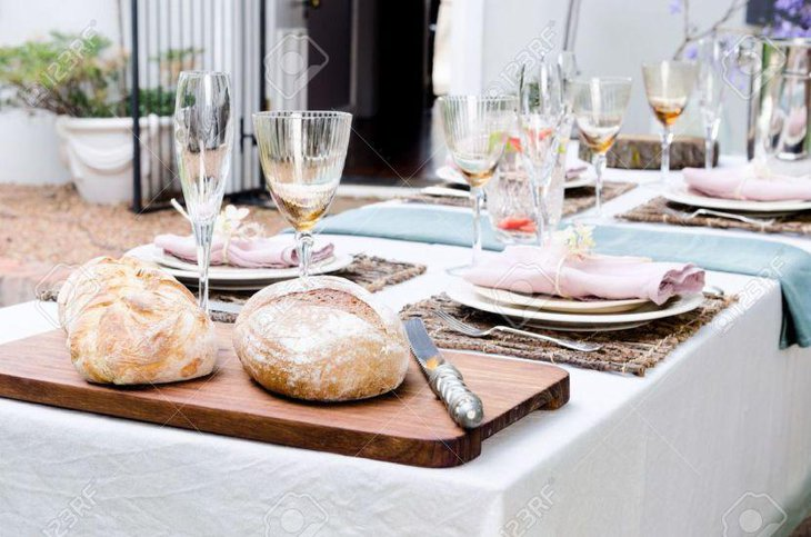 Simple rustic country style party table setting