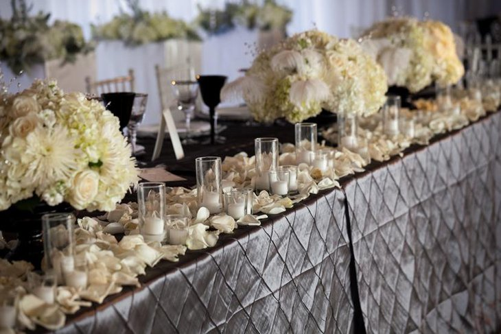 Sophisticated Silver Pintuck Table Linen for Weddings