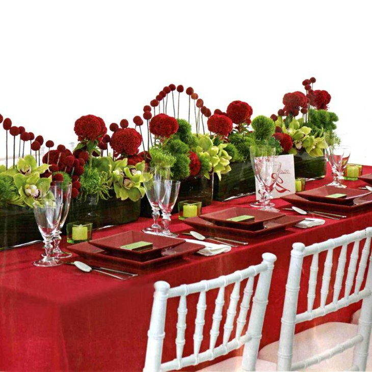 Special floral decor on Valentines table