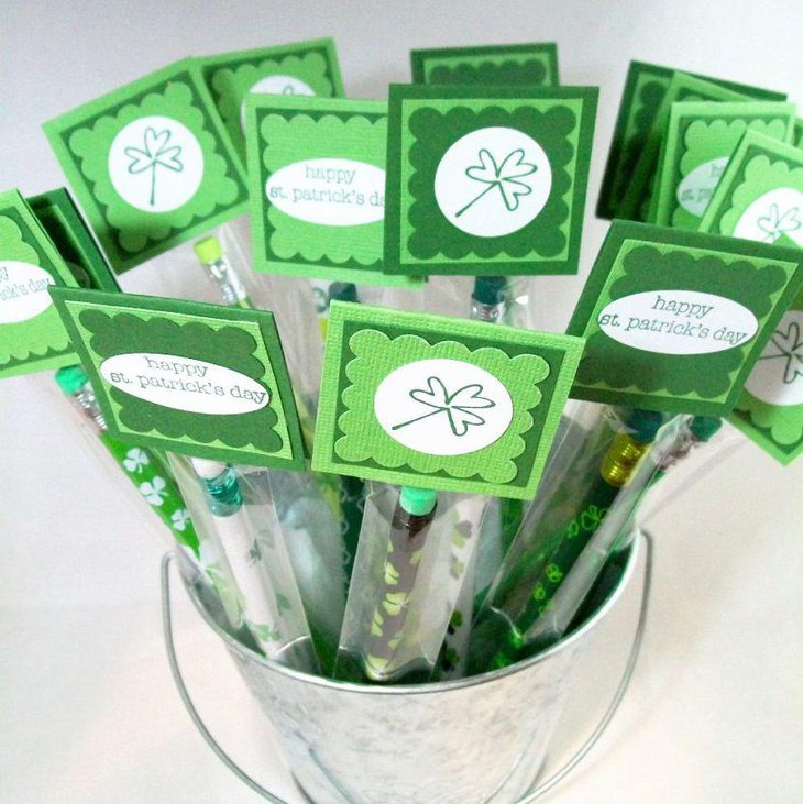 St Patricks Day party favor idea with pencil in steel bucket