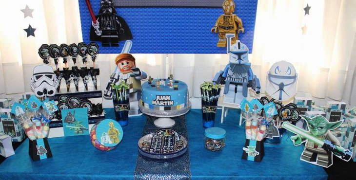Star War Lego decorations for a birthday table