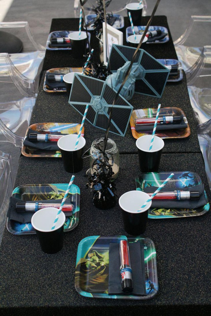 Star Wars guest table setup for birthday party