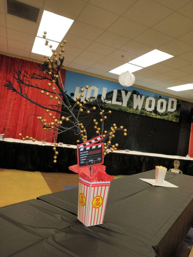 Stunning DIY Hollywood party table centerpiece