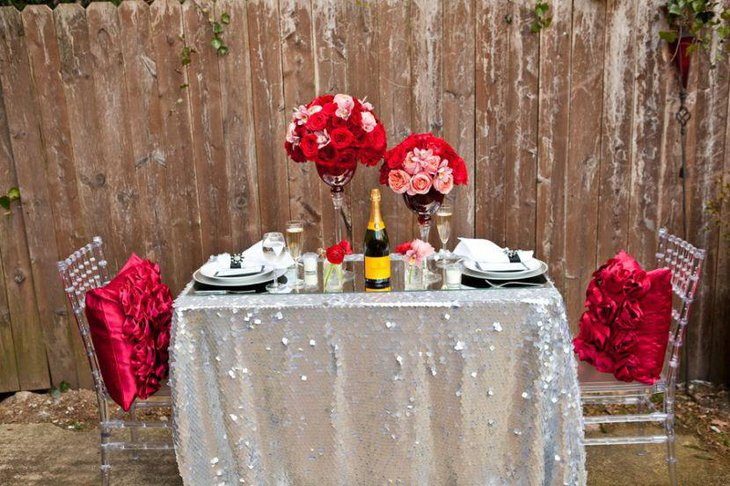 Stunning DIY Valentines table decor with flowers and bottle