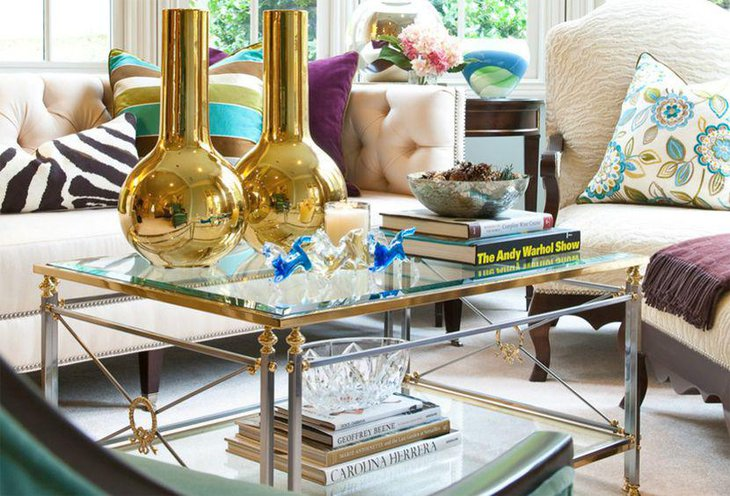 Stunning golden vases as coffee table centerpieces