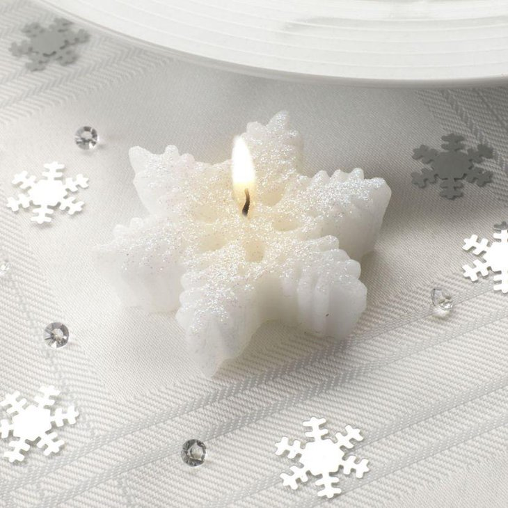 Stunning snowflake candle for winter table decor