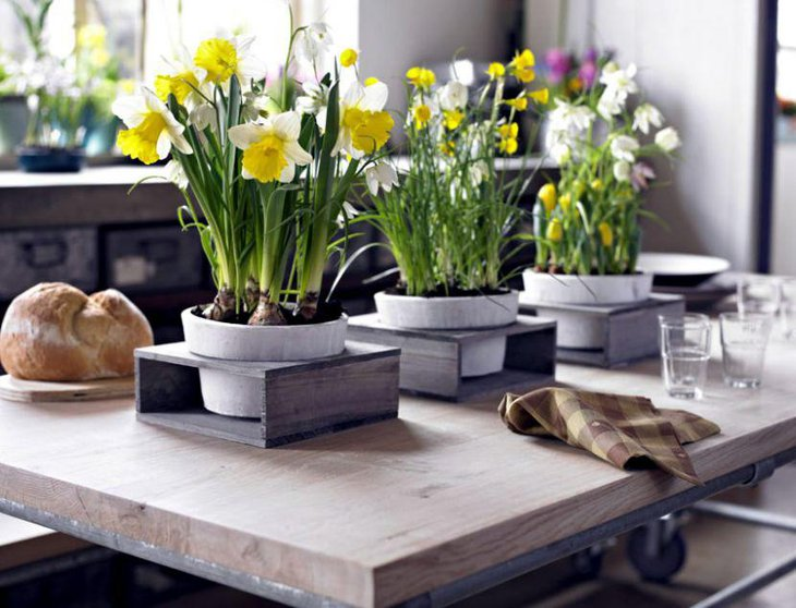 Stunning spring table decor with flowers