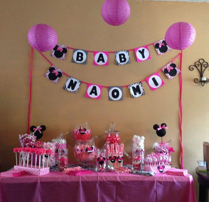 Sweet Minnie Mouse candy table decorations