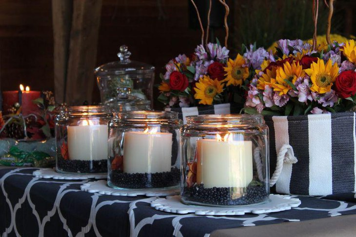 Thanksgiving table decor with black and white theme