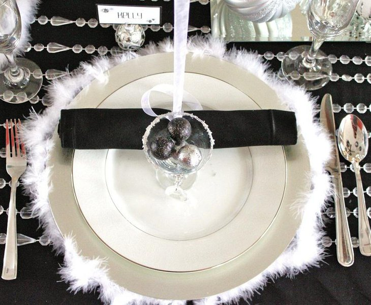 The Black and White Elegant New Years Eve Party Table Decoration