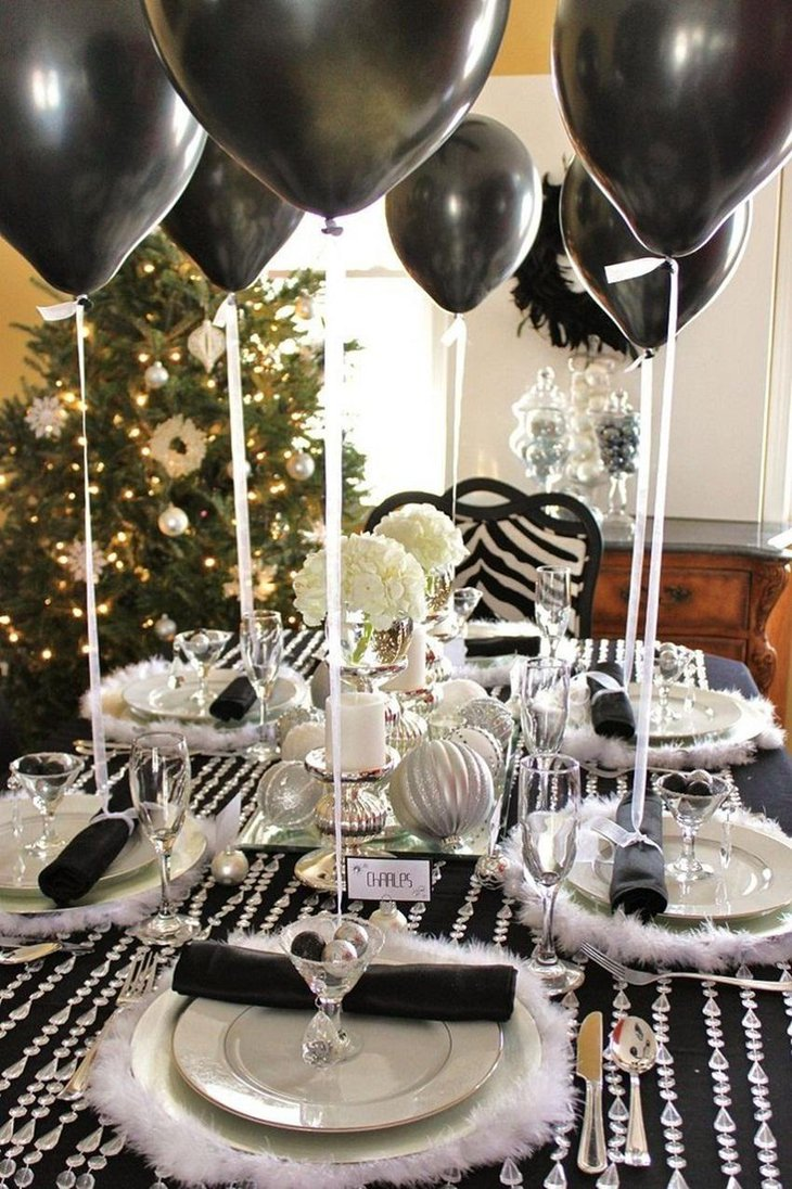 The Black and White New Years Eve Ballon Extravagant Party Decoration