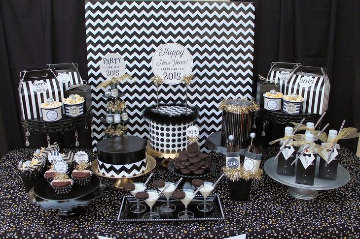 The Black and White New Years Eve Chocolate Party Table Decoration