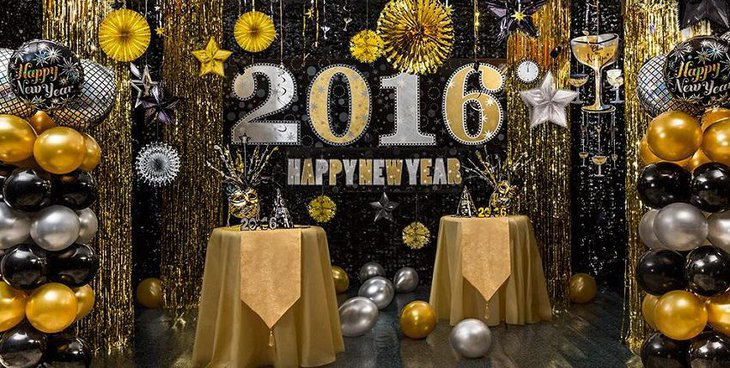The Black White and Silver New Years Eve Extravagant Party Table Decoration