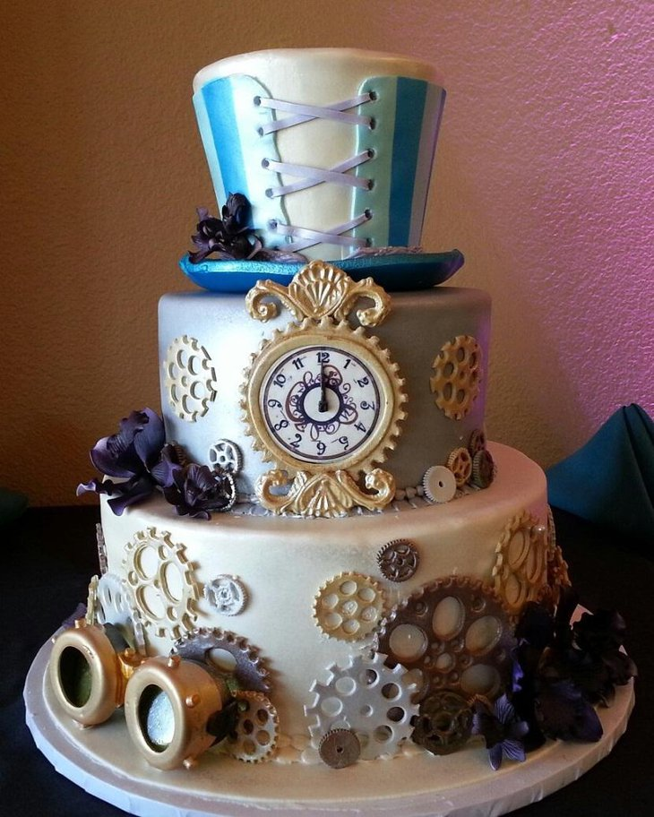 The Table Centerpiece for New Years Eve with Clock Cake