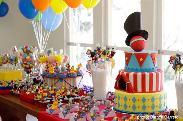 35 Cute 1st Birthday Party Ideas For Girls | Table ...