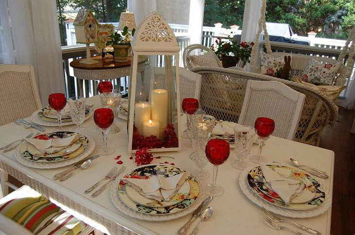 Valentine table setting with Candle centerpiece & 37 Valentine Tablescapes And Table Setting Ideas | Table Decorating ...