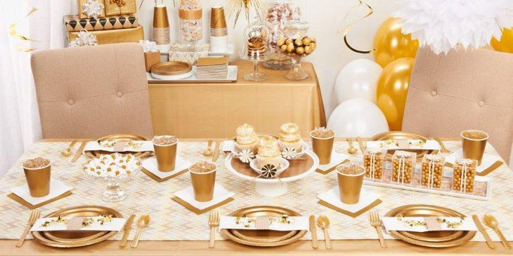 Vintage gold party table decor