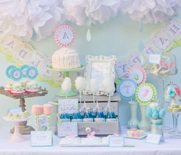 Vintage party table decor for kids
