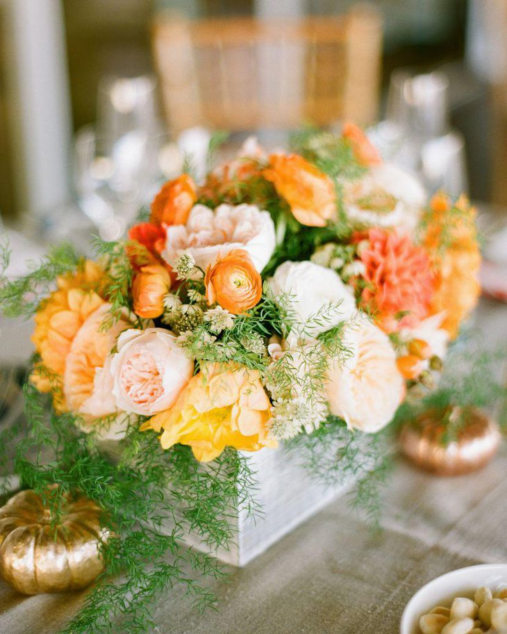 Wedding Table Flower: 35 Perfect Spring Table Decorations Ideas For Dinner