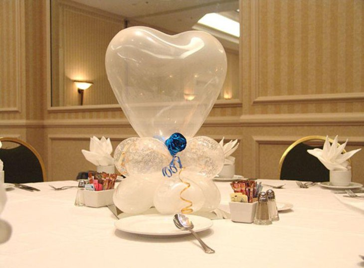 White heart balloon Valentines table centerpiece 1
