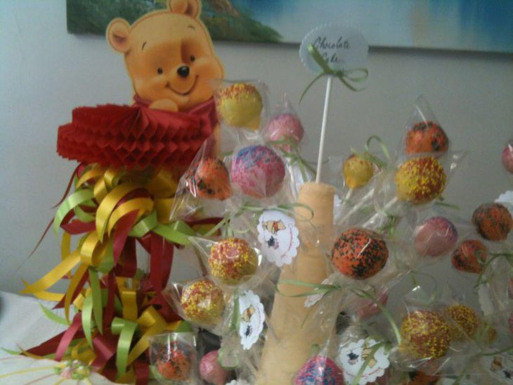 Winnie The Pooh lollipop favors for baby shower