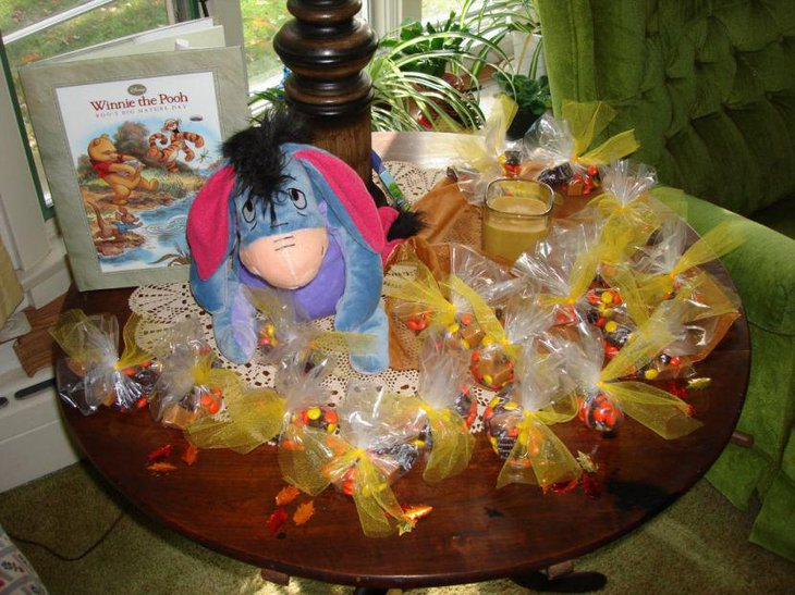 Winnie The Pooh wrapped goodie favors