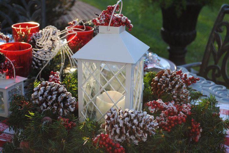 Wreath and Lantern Centerpiece For Christmas Table
